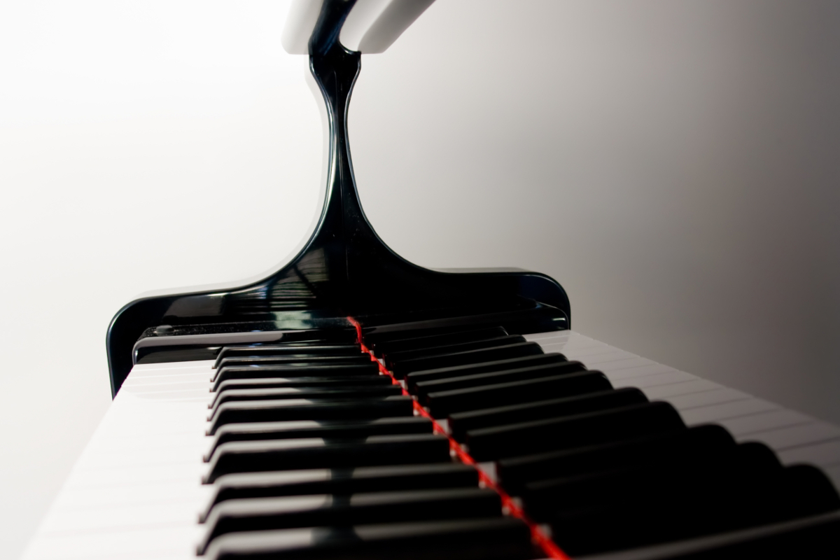 Piano_black_white_keys